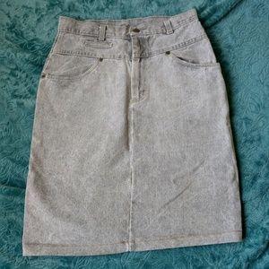 80's VINTAGE Gray-wash Denim Skirt by Vivaldi